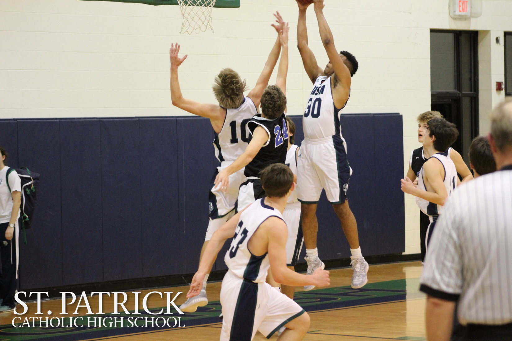Varsity Basketball vs Sacred Heart