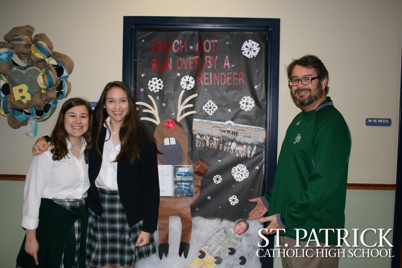 Christmas Door Decorating Contest!!