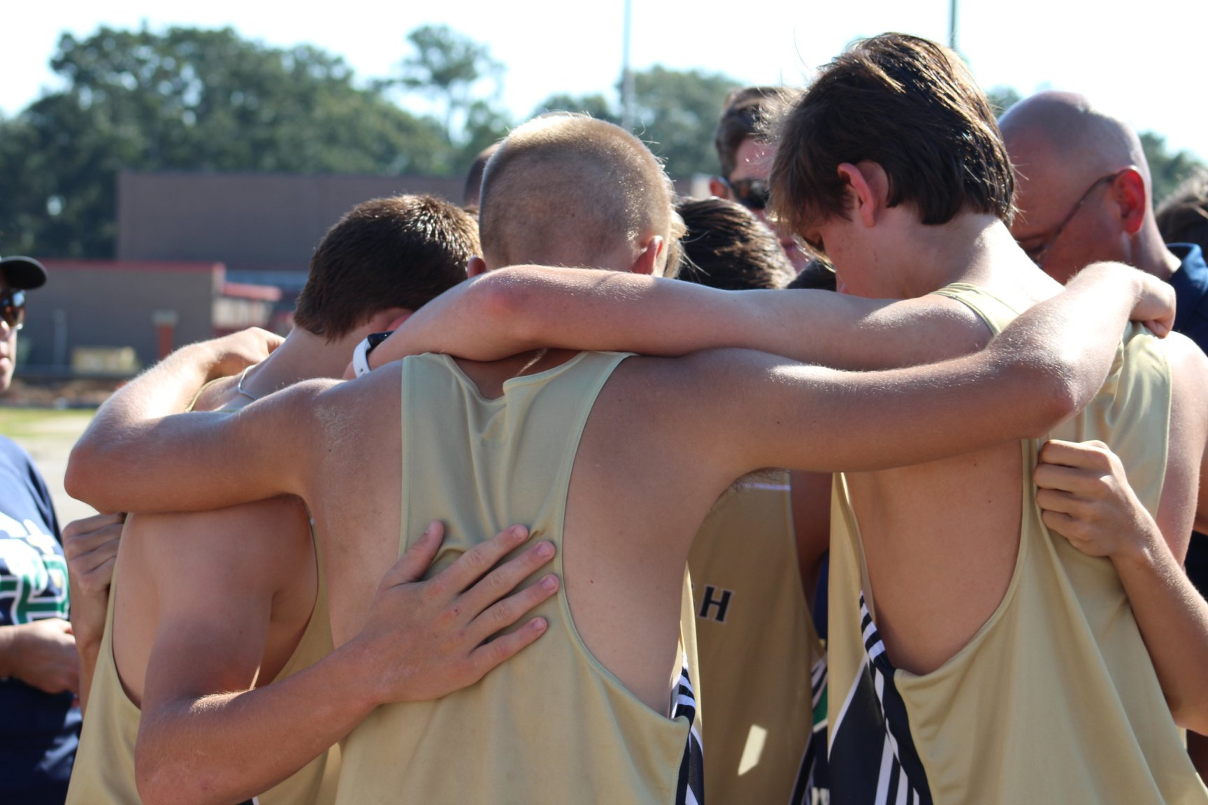 Fighting Irish Cross Country Team has strong performance at Biloxi Invitational