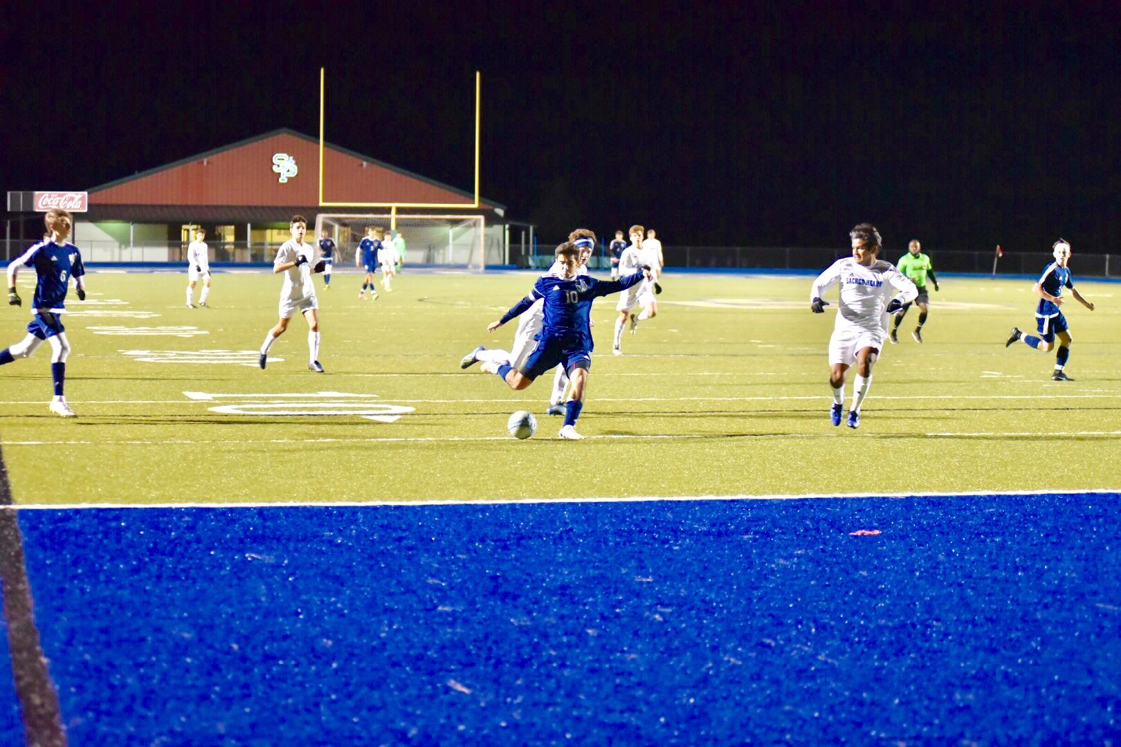 Varsity Men's Soccer Team defeats Sacred Heart